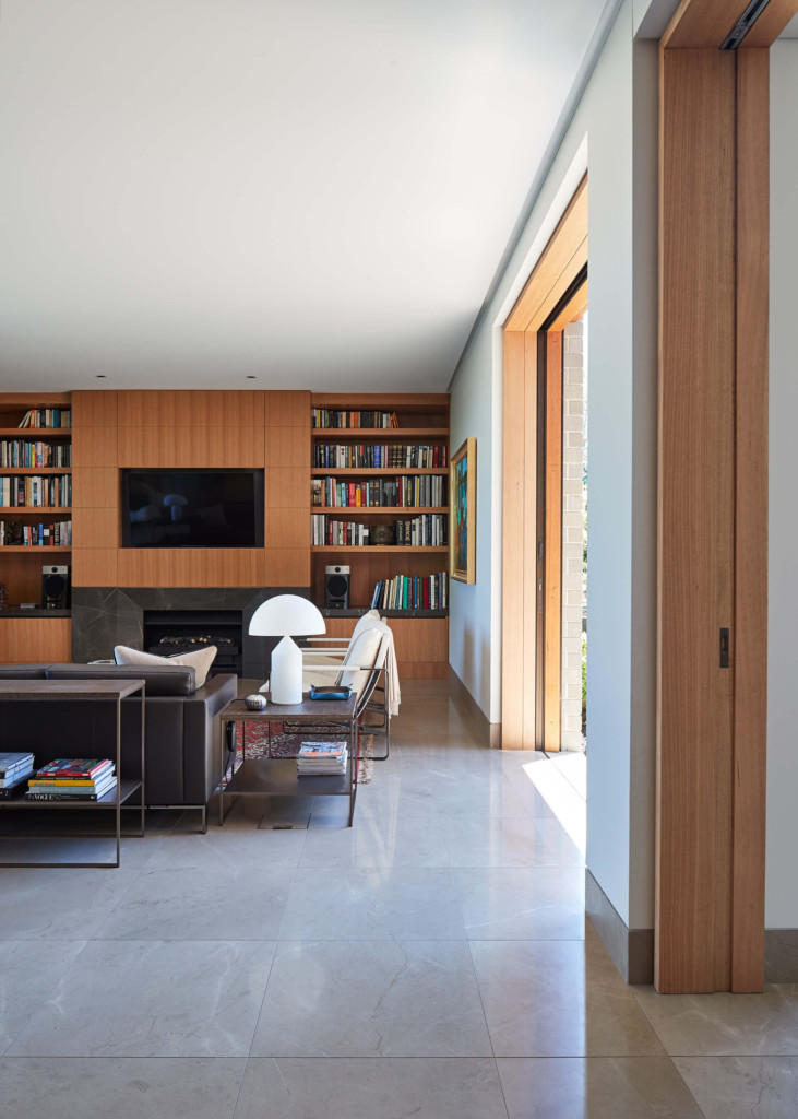 living room anterior